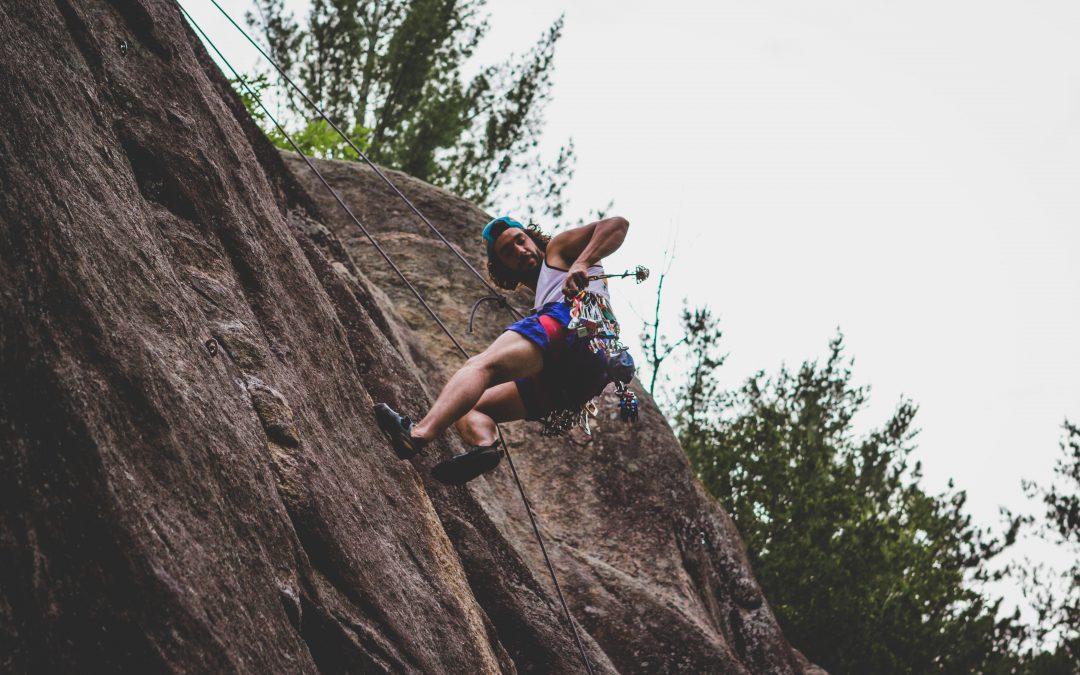 Få en sjov dag i klatrepark